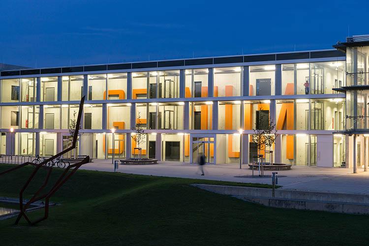 First Prize in the Kunst am Bau (art in building) competition Birgit Schuh IN_GENIUM photo: Stefan Hanke
