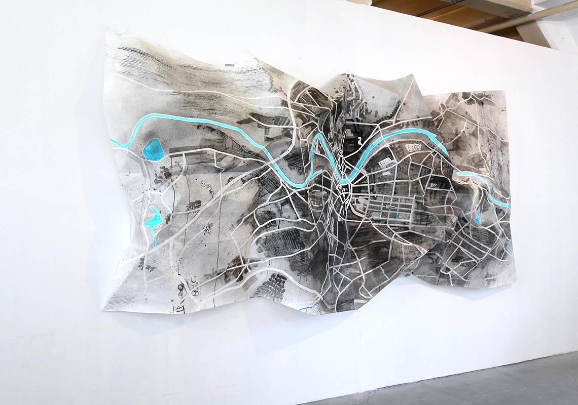 Birgit Schuh, Karte D (Dresden), 2017 350 x 150 cm, Zeichnung auf Papier, gefaltet