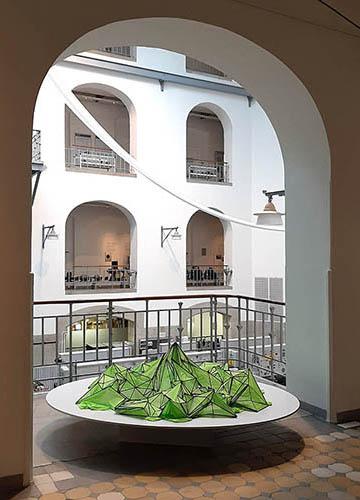 Birgit Schuh: EUROPA, 2019, Karbonfaserstäbe, Textil, Durchmesser 160 cm